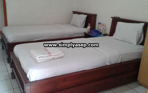 STANDARD DOUBLE : Dua tempat tidur ini tarifnya sekitar 300K dan sangat cocok untuk keluarga. Foto Asep Haryono