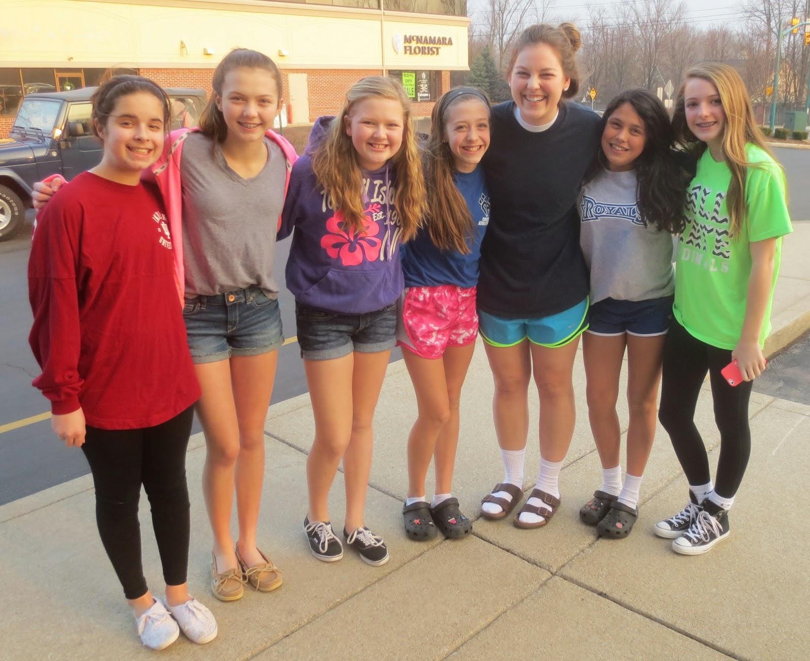 ECS Seniors 2011: 12th/6th Grade Girls Sleepover!