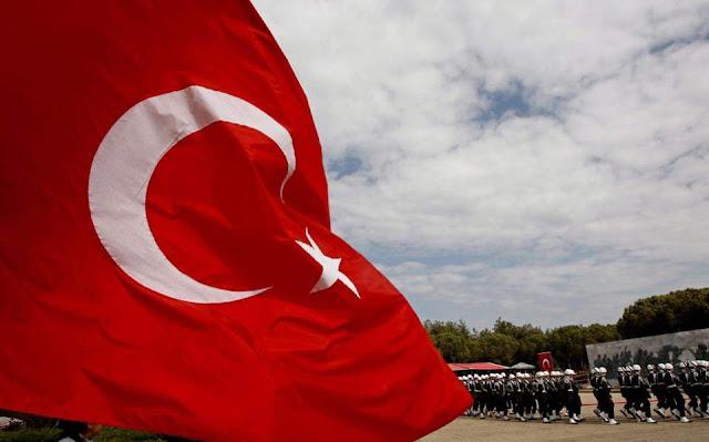 «Σεισμός» στον τουρκικό στρατό από τις παραιτήσεις στρατηγών