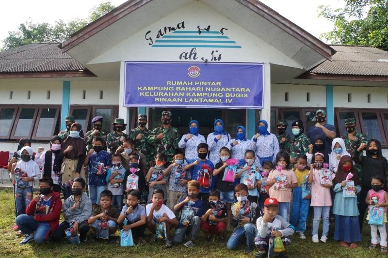 Danlantamal IV Canangkan Kampung Bahari Nusantara dan Kukuhkan Babinpotmar Lantamal IV