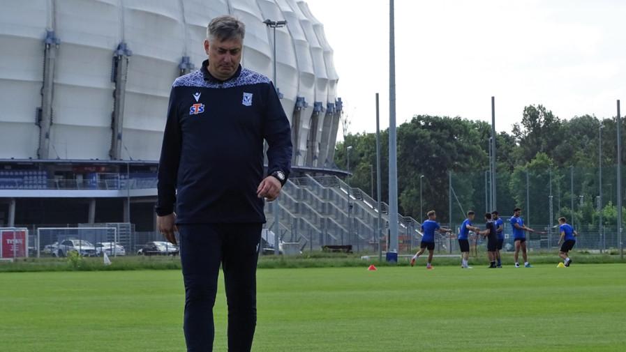 Trener Maciej Skorża po powrocie do treningów | foto: Wiktoria Łabędzka / aosporcie.pl