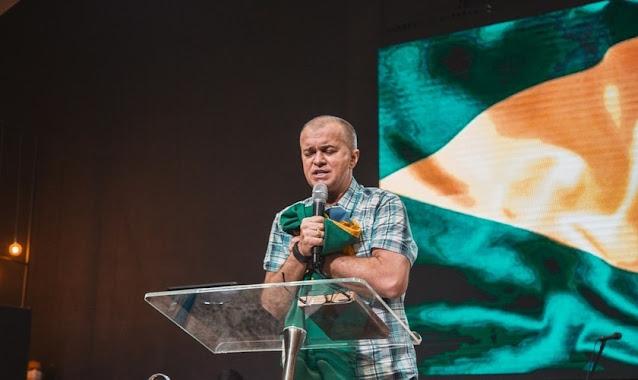 """Luiz Hermínio convoca famílias para oração pelo Brasil: """"Vamos orar até que algo aconteça"""""""