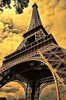 Torre Eiffel, tour por el río Sena