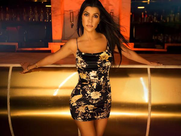 Nova coleção festiva de Kourtney Kardashian para a  PrettyLittleThing.