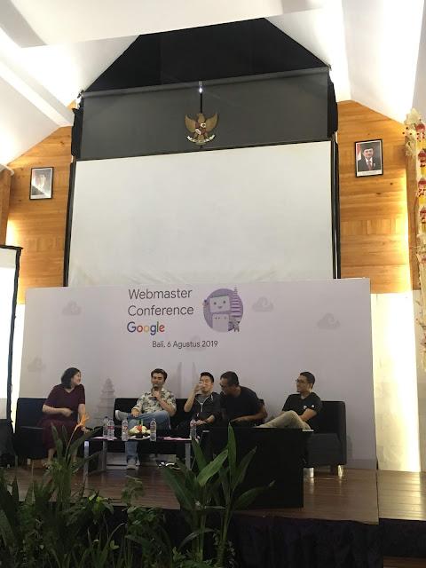 Sesi Diskusi Panel Google Webmaster Conference Bali 2019