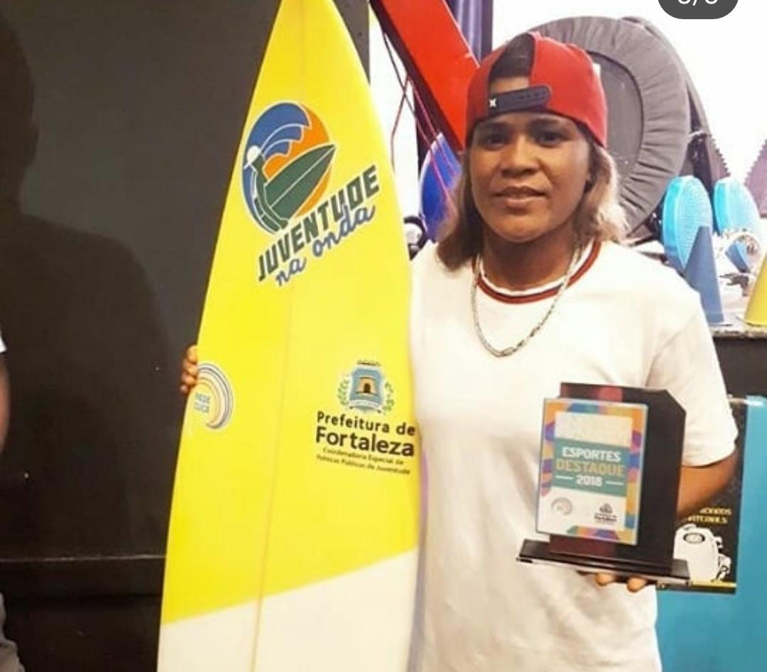 Resultado de imagem para Luzimara Souza surfista