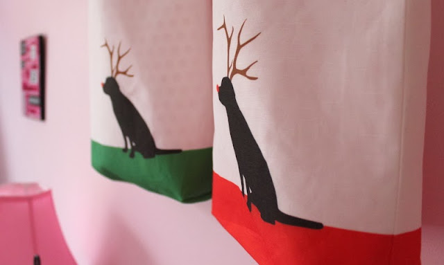 Doggy Reindeer Holiday Tote Bag and a Giveaway!