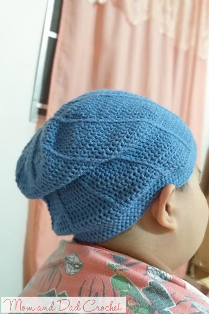 Slouchy Spiral Beanie Hat. free crochet pattern, crochet slouchy hat, crochet slouchy hat pattern, Mom & Dad Crochet, crochet, slouchy spiral crochet hat,