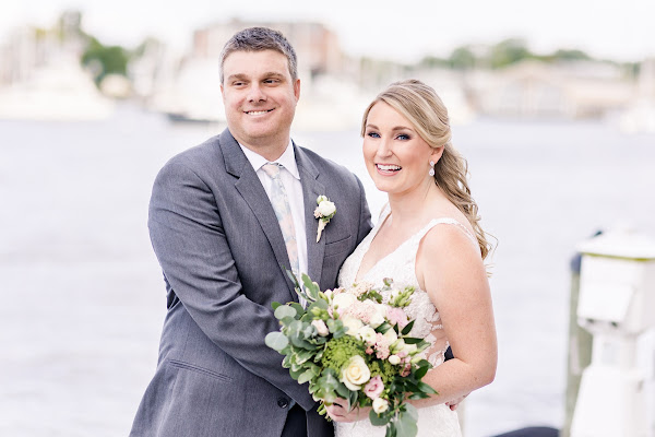 Annapolis Waterfront Hotel Wedding 2021 lower deck photographed by Heather Ryan Photography