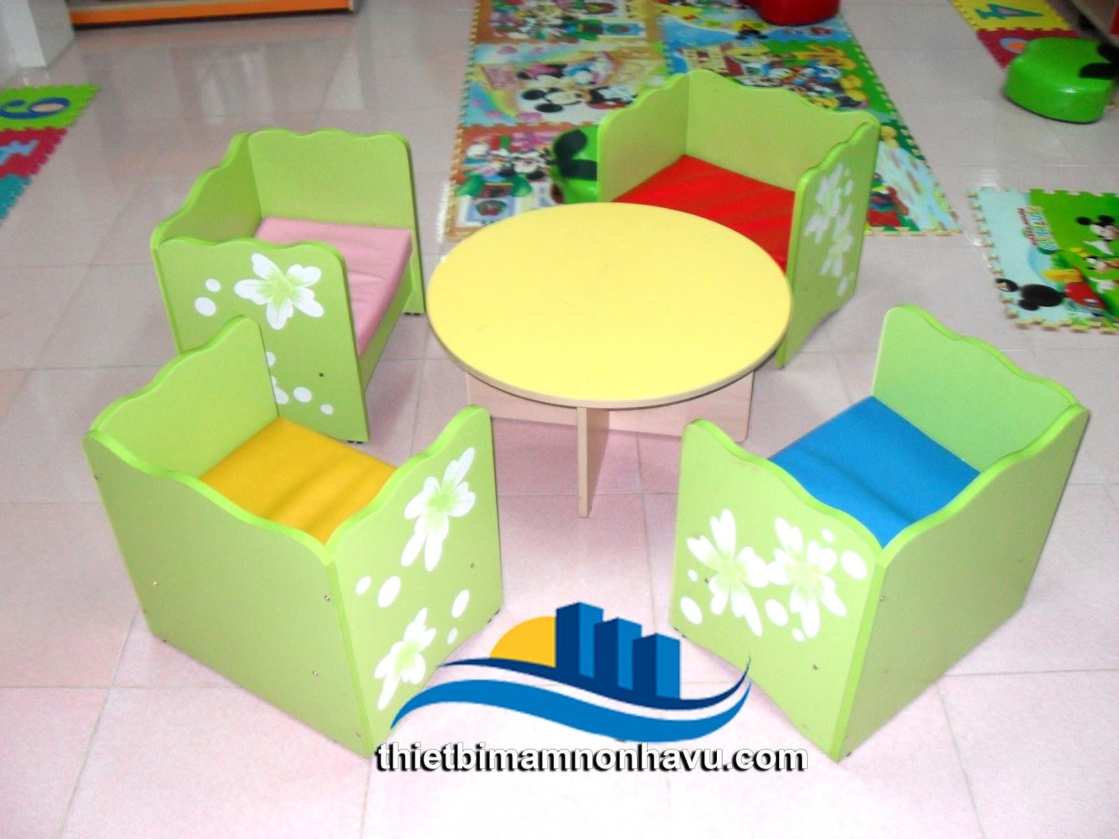Bộ bàn ghế thư viện bàn tròn ghế vuông