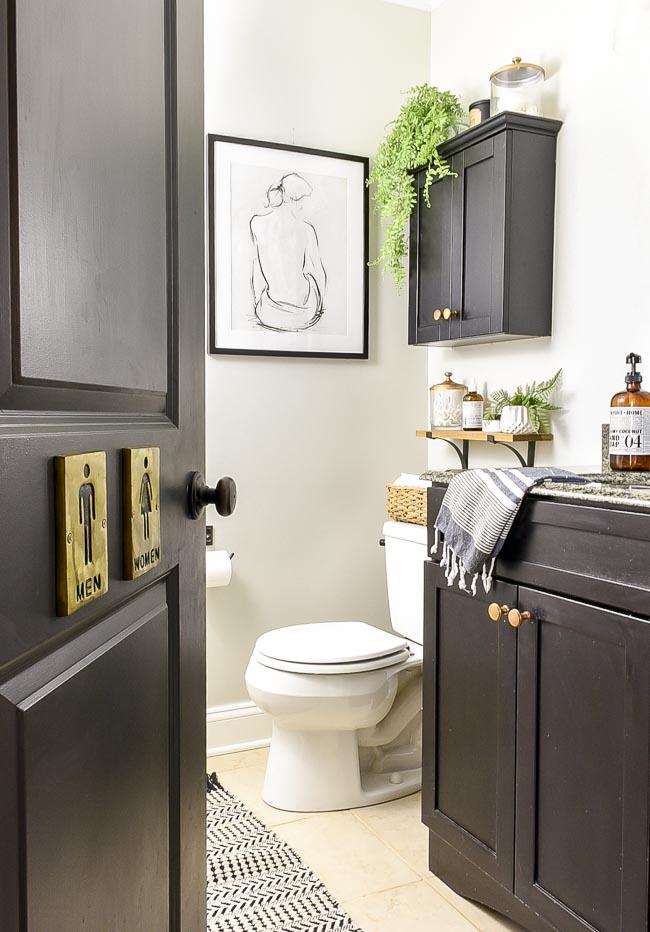 Clean, vintage modern bathroom decor