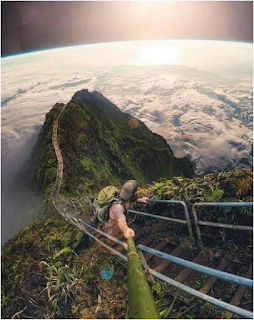 """"""" سلالم هايكو """" بجزر الهاواي والطريق الى السماء"""