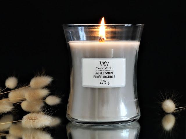 Sacred Smoke Woodwick avis, Sacred Smoke Woodwick candle review, bougie parfumée woodwick, avis bougie woodwick, avis bougie sacred smoke woodwick, woodwick fumée mystique avis, woodwick sacred smoke avis