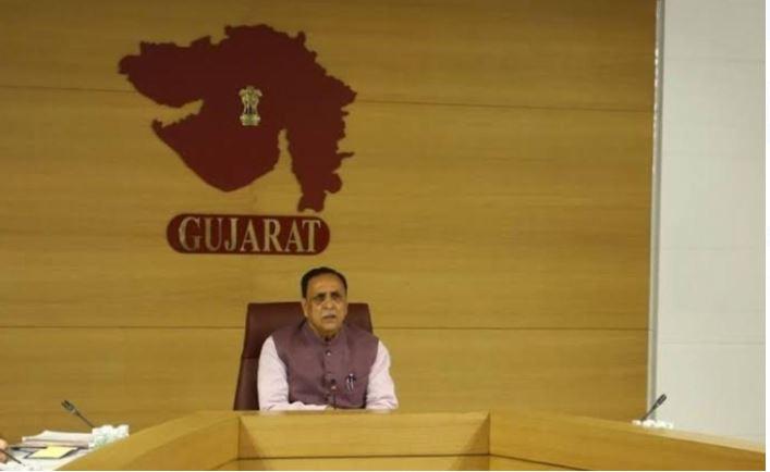 गुजरात के 9 और शहरों में लगा नाइट कर्फ्यू , गंभीर होते हालात के बीच सीएम विजय रुपानी ने लिया फैसला
