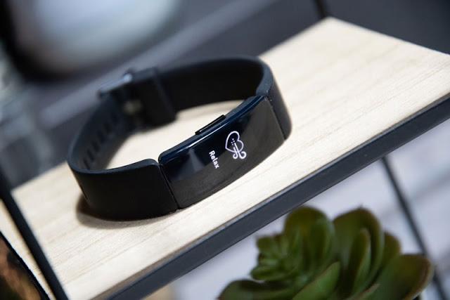 Đánh giá Fitbit Inspire HR