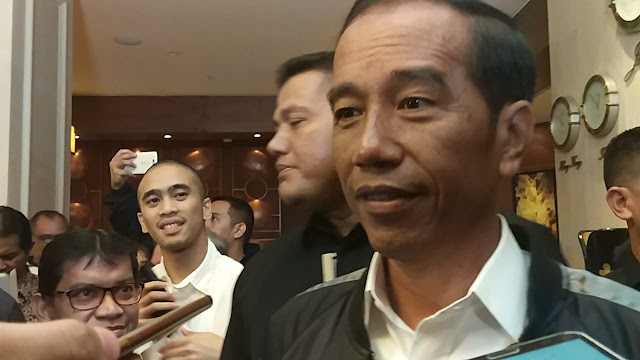 Jokowi soal Tudingan Mobilisasi Polisi di Garut: Laporkan ke Saya