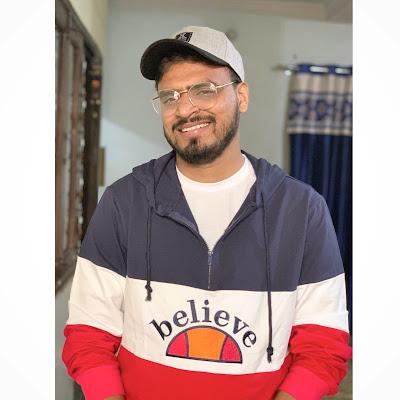Amit Bhadana Selfy Photos