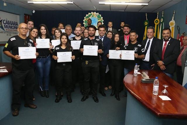 Senador Canedo: Câmara Homenageia Policiais Civis