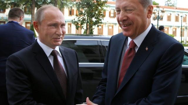 Ο Ερντογάν βρήκε στη Μόσχα έναν βολικό συγκυριακό σύμμαχο και το εκμεταλλεύεται