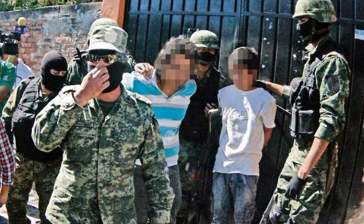 Dan tácticas militares a adolescentes sicarios