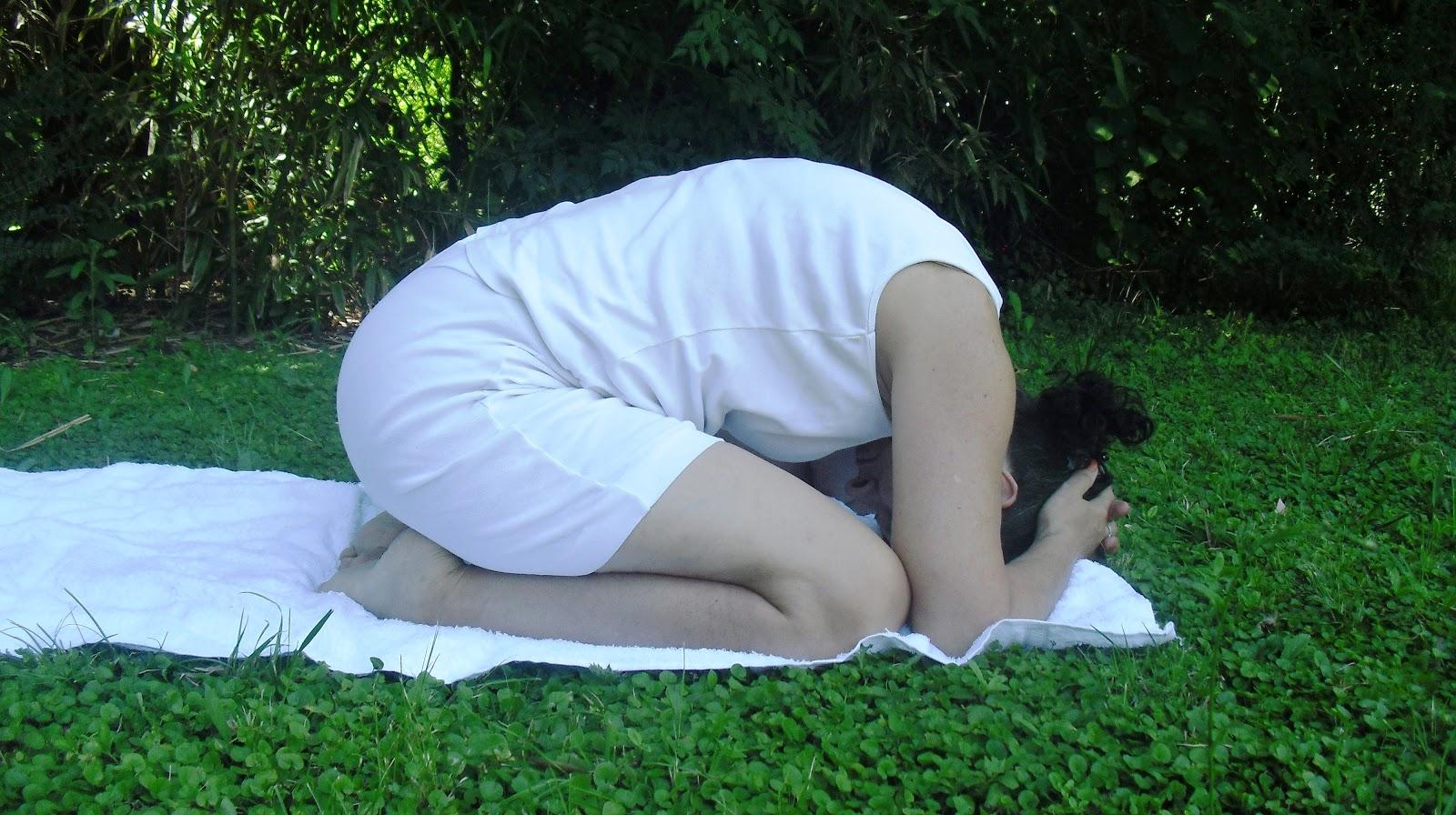 10) Ejercicio de Atención Mental en Sukhasana . Meditación . Hatha ...