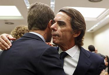el villano arrinconado, humor, chistes, reir, satira, Casado, Aznar, vampiro