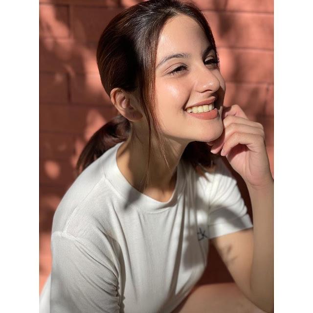 Beautiful American Teen Girl Pic, most beautiful charming cute Indian teen pic
