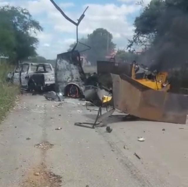 Carro-forte é explodido por criminosos em estrada no interior do RN