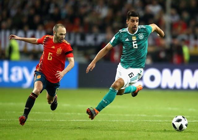 Em duelo de gigantes, Alemanha e Espanha ficam no empate