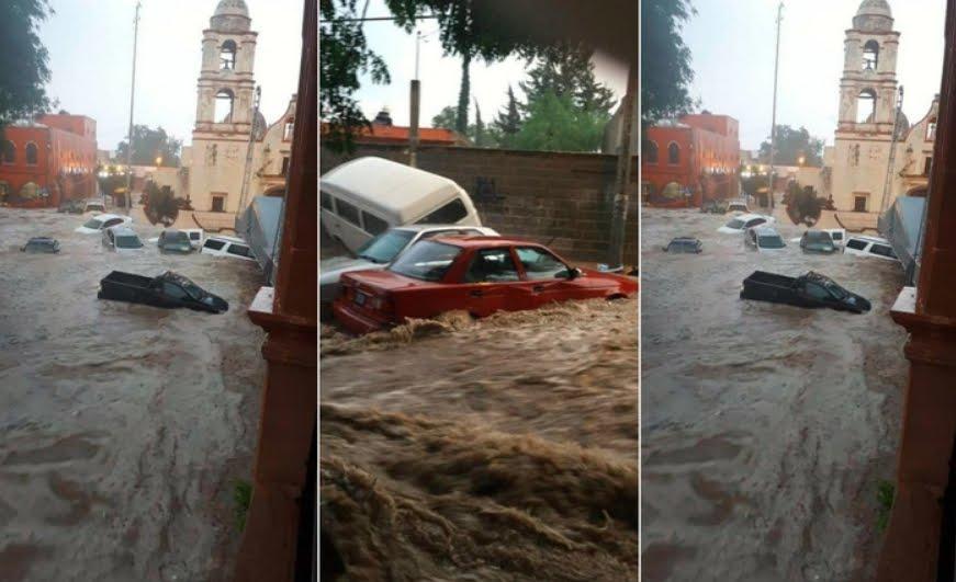 Incredibili immagini dal Messico: Video Bomba d'acqua trascina le auto dalla strada.