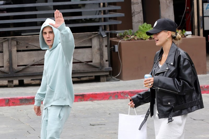 Hailey Bieber, Justin Bieber  Out for Lunch in Los Angeles 30 Nov-2019
