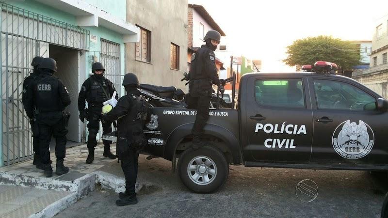 Polícia Civil de Maruim cumpre sete mandados de prisão