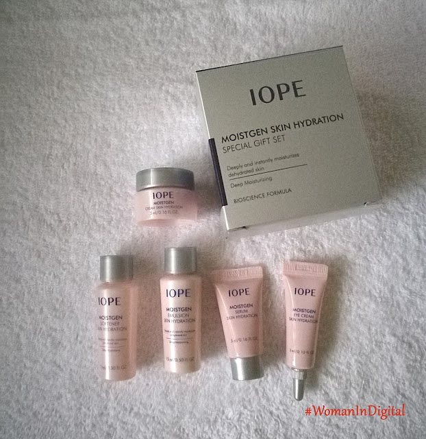 Woman-In-Digital-IOPE Moistgen Hydration Set Review