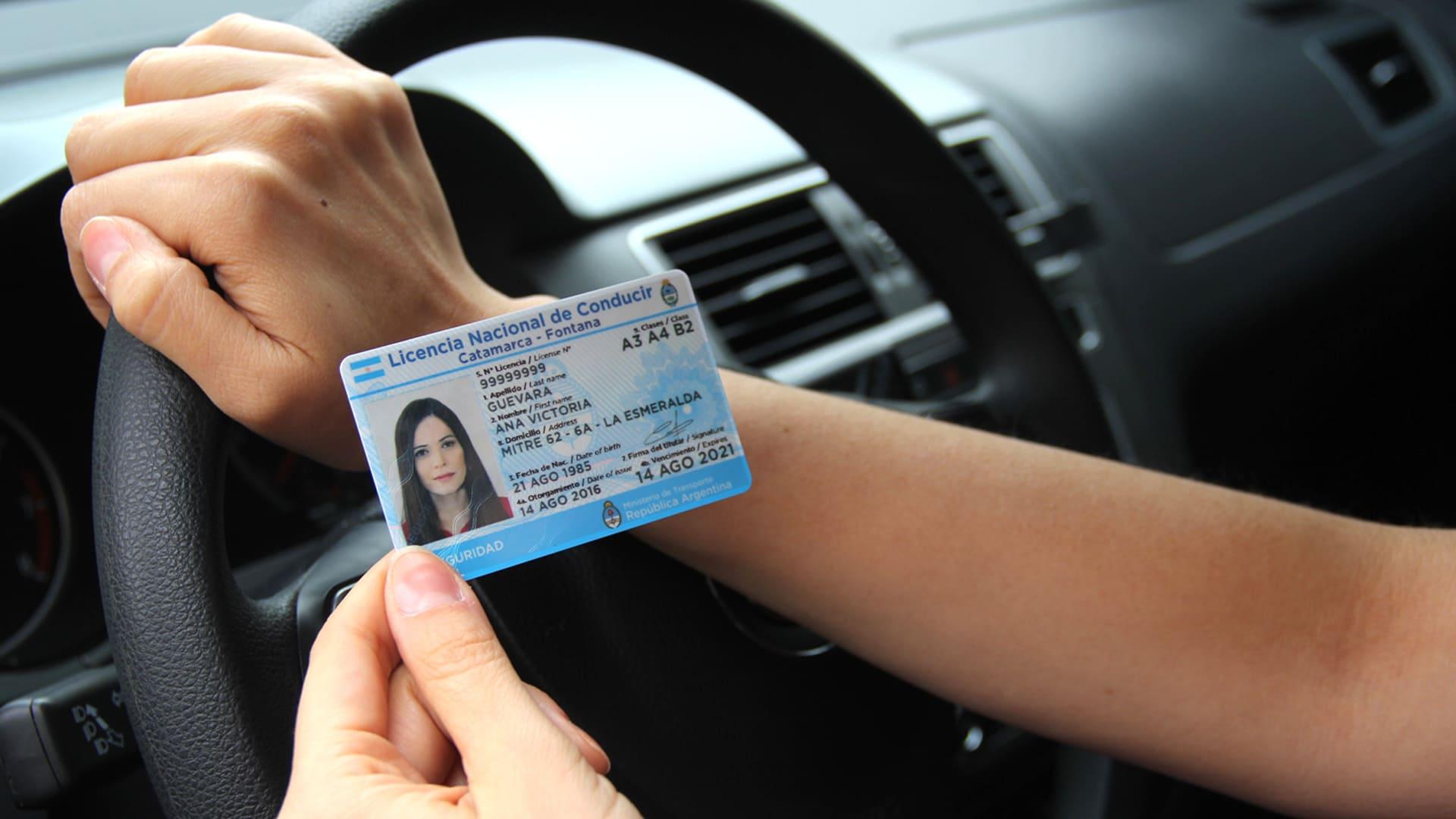 Los 135 municipios ya pueden imprimir licencias de conducir en el acto