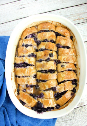 Easy Overníght Blueberry French Toast