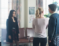 Lili Reinhart, Cole Sprouse and Camila Mendes in Riverdale Season 2 (17)