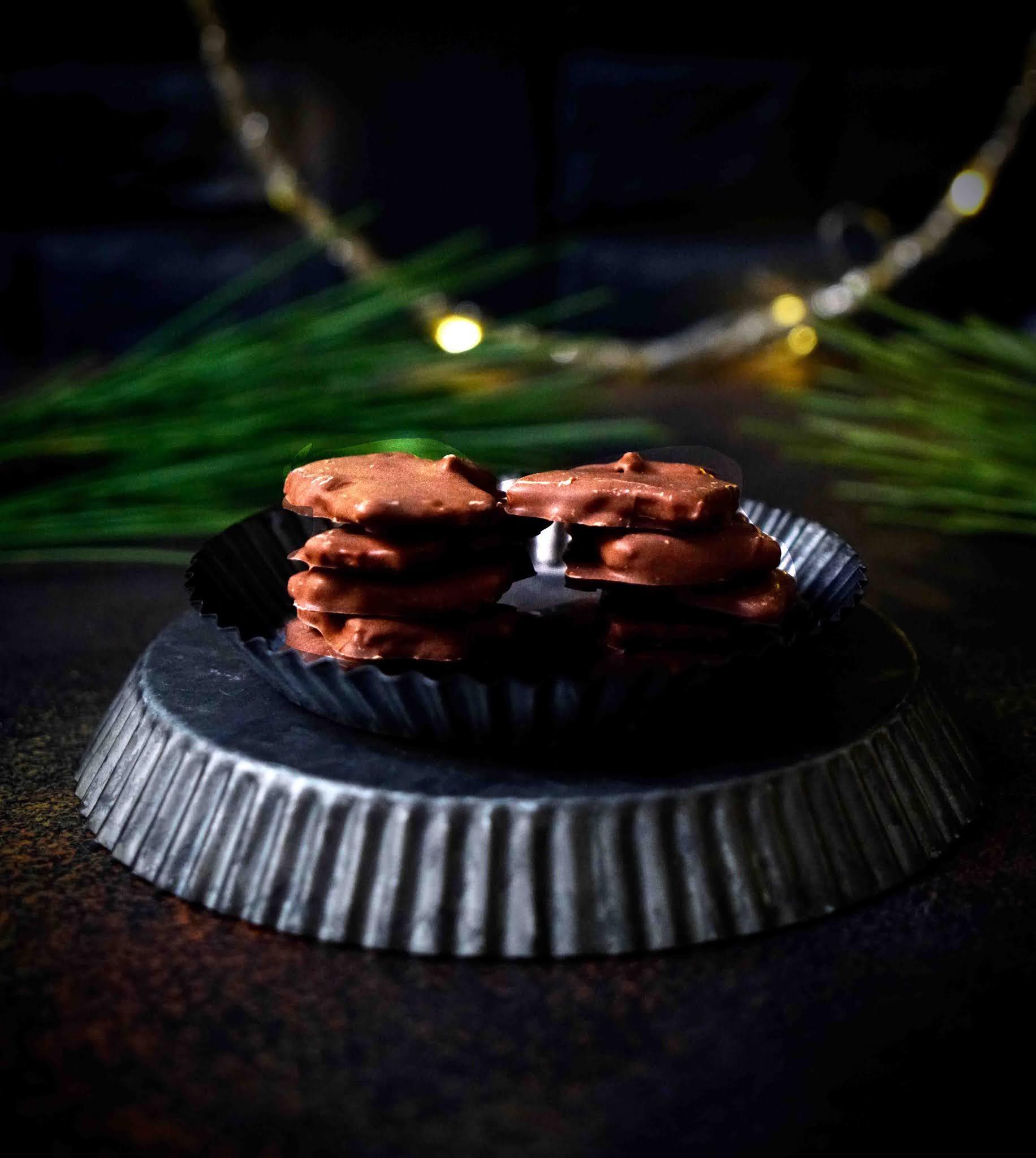 caramel aux amandes , caramel croquant , chocolat