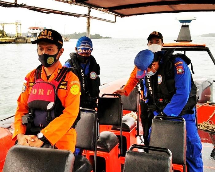 Tug Boat Hantam Sampan, Pencarian Korban Dihentikan