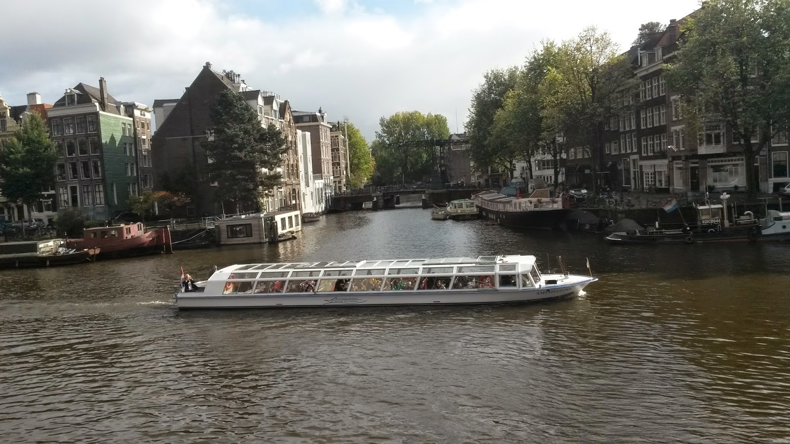 Fewer British and American visitors to Amsterdam