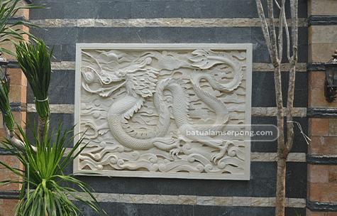 relief batu alam dinding