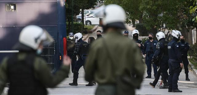 Χαστούκι σε Χρυσοχοΐδη – Μητσοτάκη από την Ένωση Δικαστών και Εισαγγελέων για την χουντικής εμπνεύσεως απόφαση
