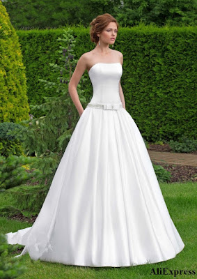 Vestido de novia en crepé satén o charmeusse