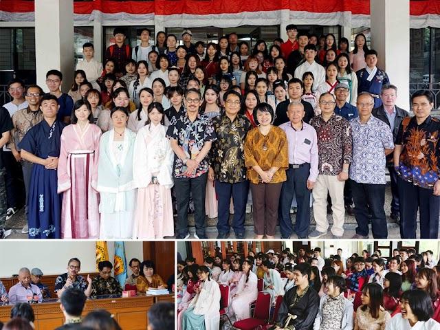 Mahasiswa dari Tiga PT di Tiongkok Belajar Bahasa Indonesia di FIB Unpad