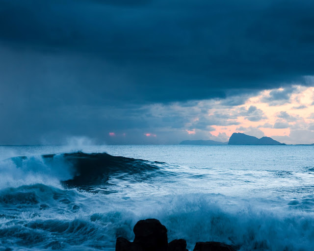 Stormy Sea - Photo by Charl Folscher on Unsplash