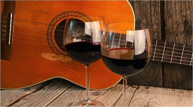 Romantik Akşam Yemeği için hangi Müzik çalınır