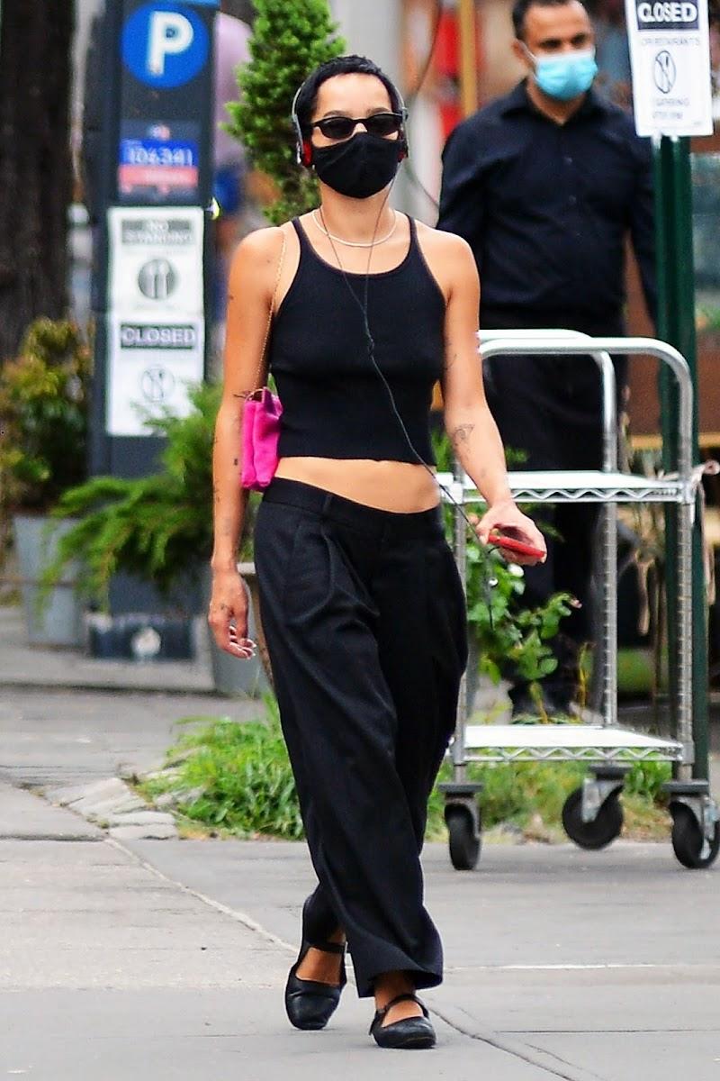 Zoë Kravitz All in Black Out in New York 14 Aug -2020
