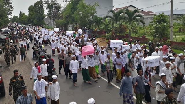 Desak Fadli Zon Minta Maaf, Santri Probolinggo Arak-arakan hingga Menutup Jalur Pantura
