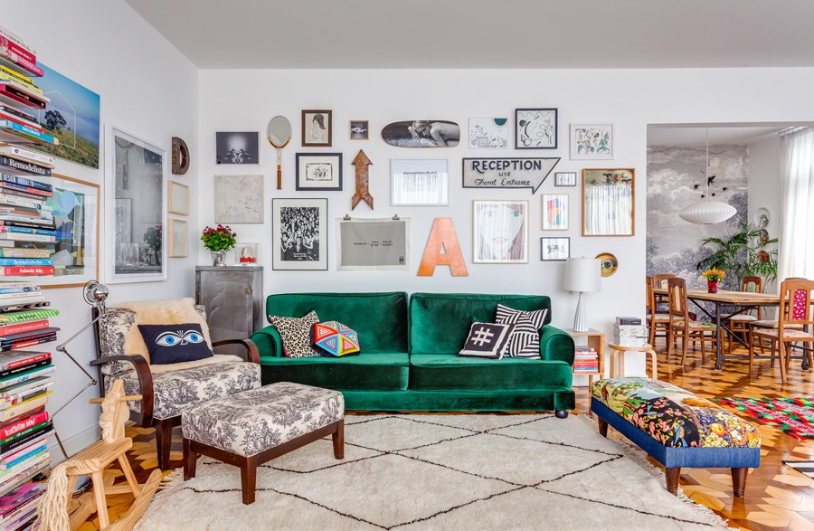 Quadros cobrindo a parede da sala seis composi es for Decoracao sala de estar quadros