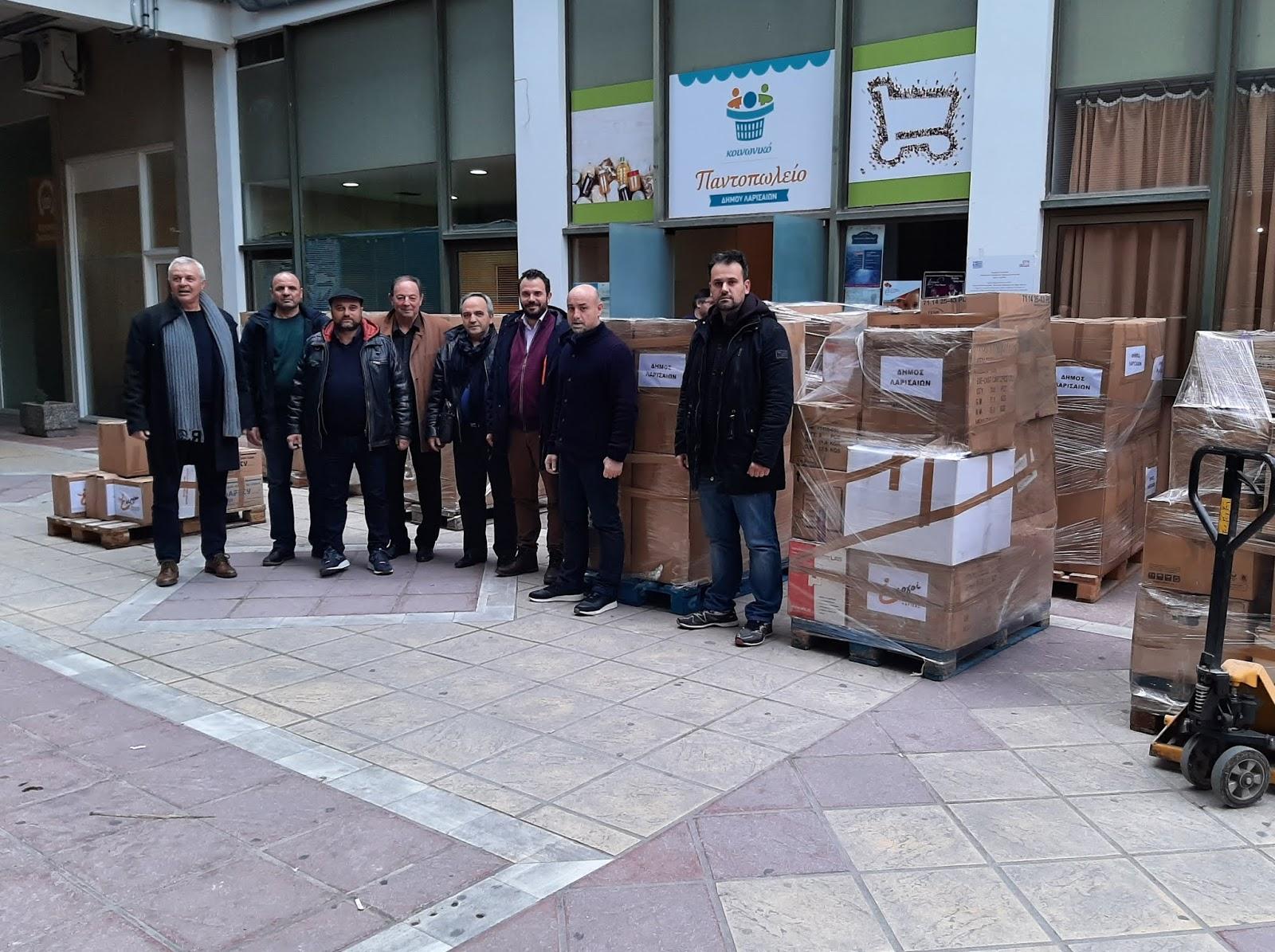 Αναχωρεί η αποστολή για την Αλβανία από τον Δήμο Λαρισαίων
