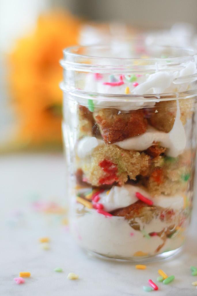 layer cake in a jar